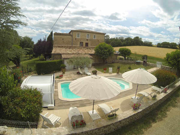 swimming pool Cottage in Occitania renting