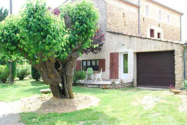Location terrasse Gîte Mas en Occitanie